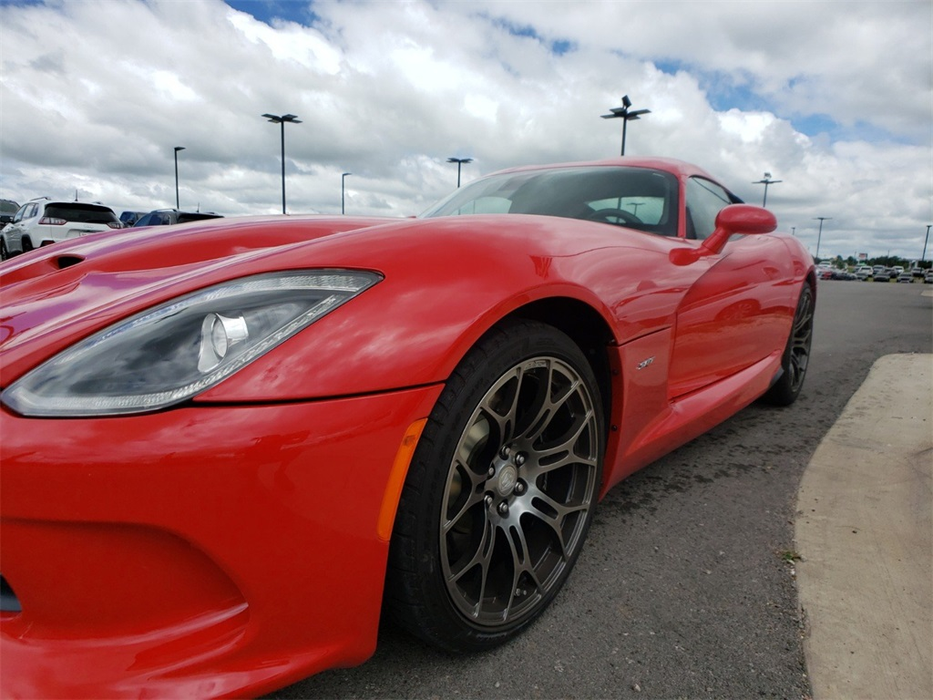 Pre-Owned 2013 Dodge Viper SRT