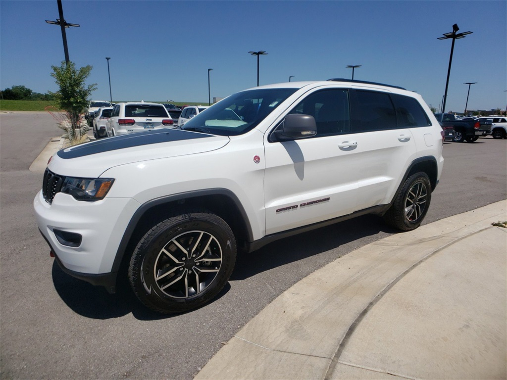 Pre-Owned 2019 Jeep Grand Cherokee Trailhawk